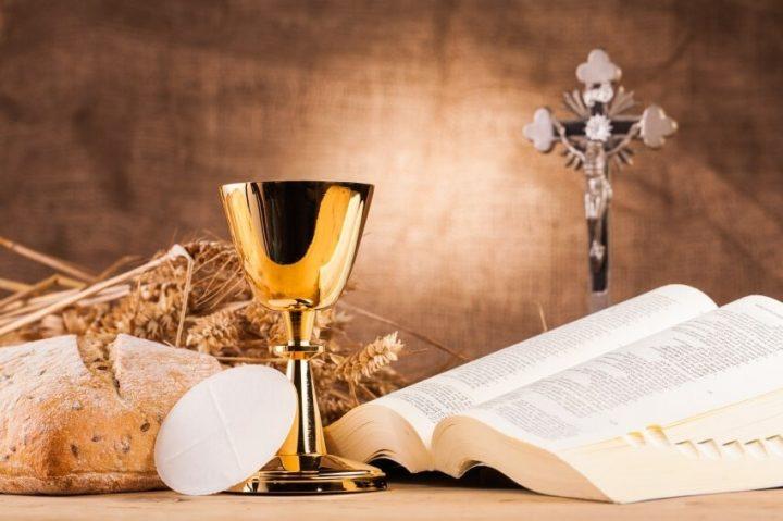 eucaristia-ou-nada-a-igreja-faz-a-eucaristia-e-a-eucaristia-faz-a-igreja