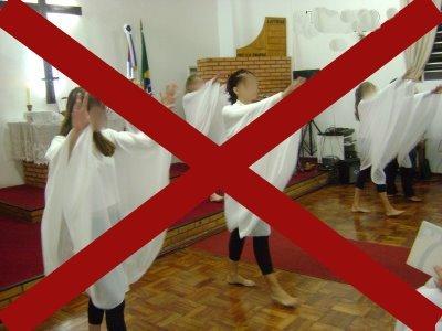padre-mateus-maria-danca-liturgica