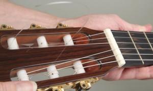 Trocar cordas de violão 20
