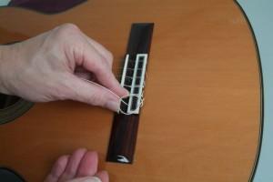 Trocar cordas de violão 3