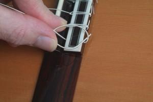 Trocar cordas de violão 4