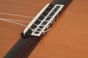 Trocar cordas de violão 5