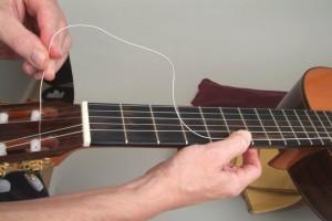 Trocar cordas de violão 6